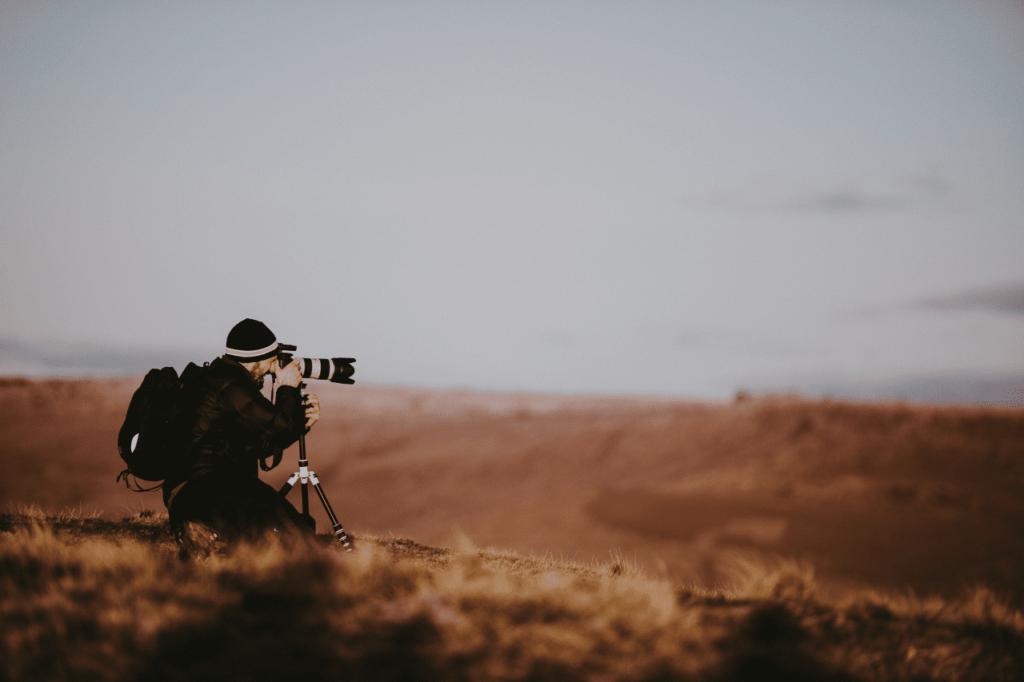 中田 暖人:カメラを構える人
