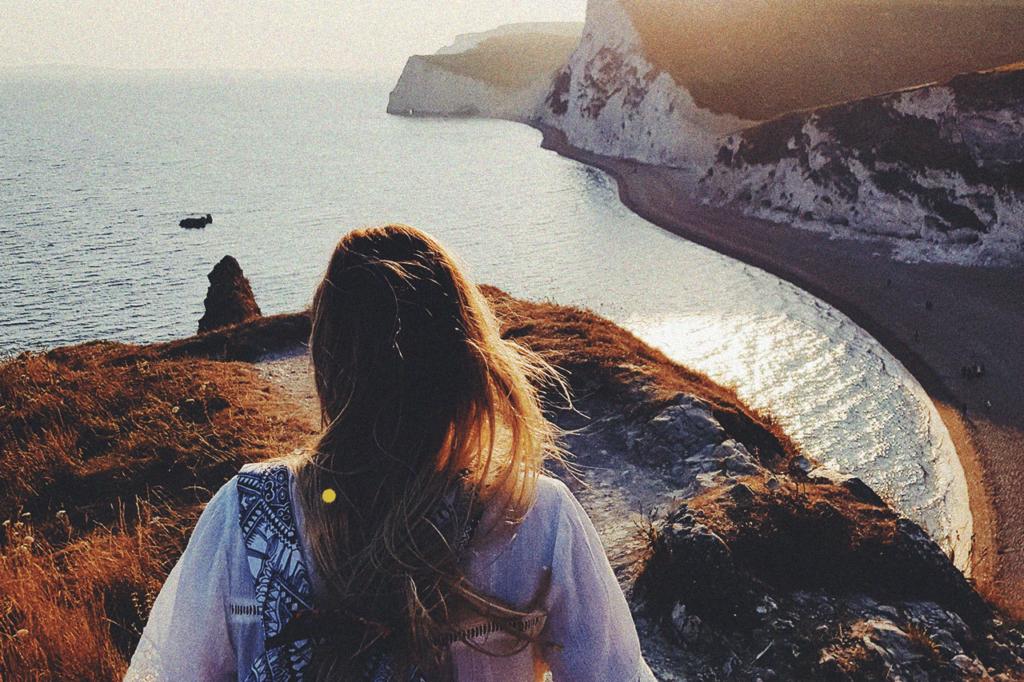 中田 暖人:崖に立つ女性