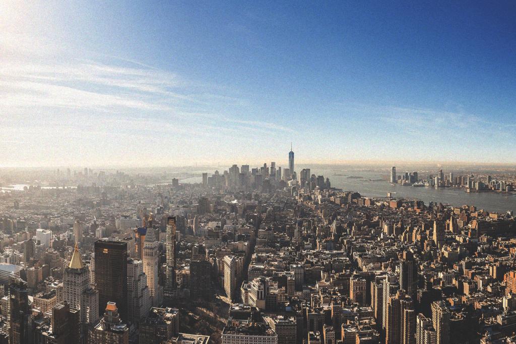 中田 暖人:都会の街並み